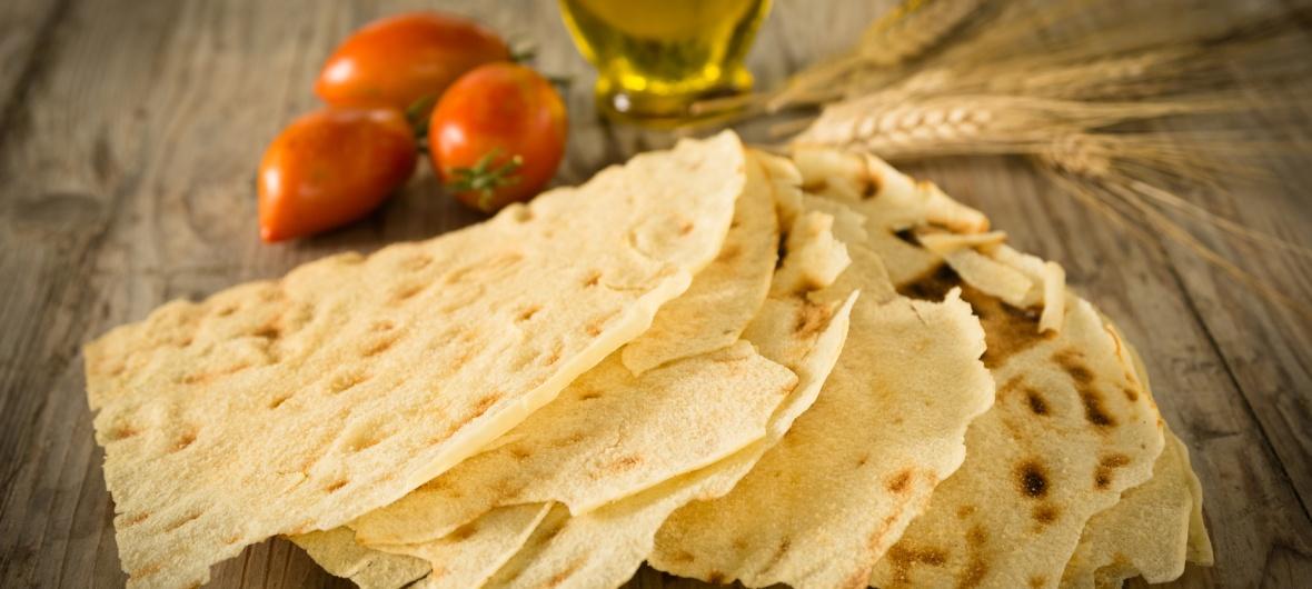 Pane Carasau, Carasau bread, traditional bread of Sardinia
